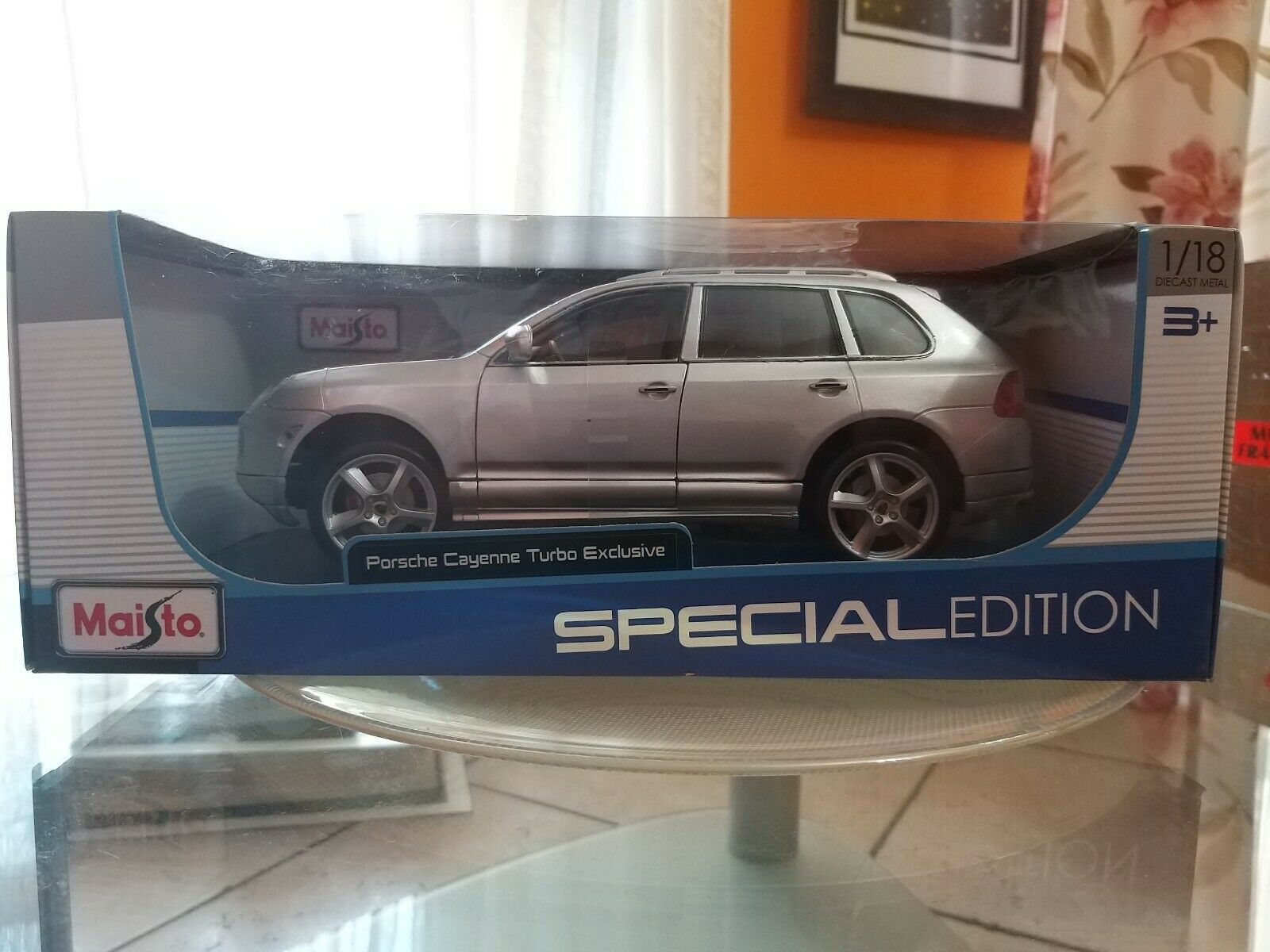 Model Maisto Grey porsce cayenne turbo Exclusive Special Edition 1 18
