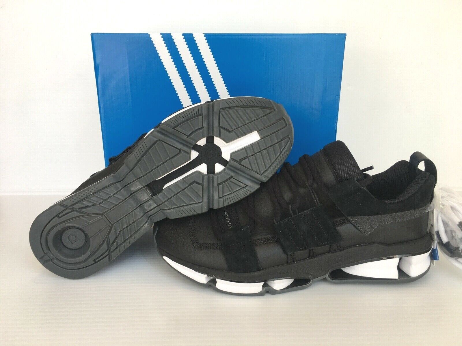 Adidas Twinstrike ADV Stretch Men's Sz 11 Leather Sneakers Black B28015