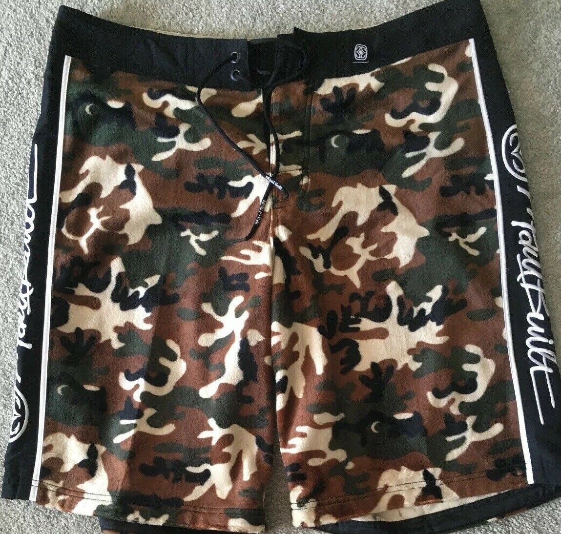 NWOT Maui Built Mens Camo Board Shorts, 38, Nice