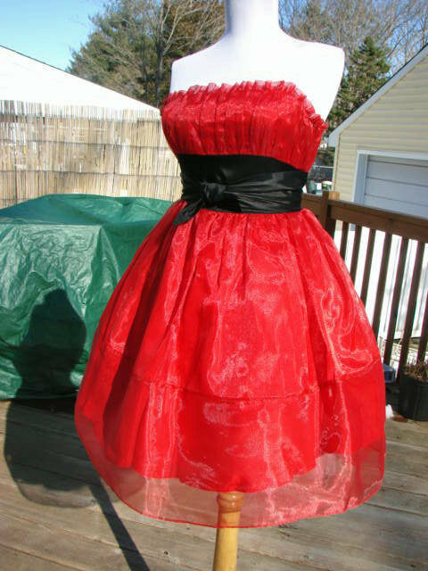 NWT BETSEY JOHNSON RED TEEN VOGUE ORGANZA DRESS6 SALE SALE SALE 5660d7