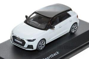 AUDI-A1-Sportback-Blanco-oficial-concesionario-de-Audi-Modelo-Escala-1-43-regalo-de-coche