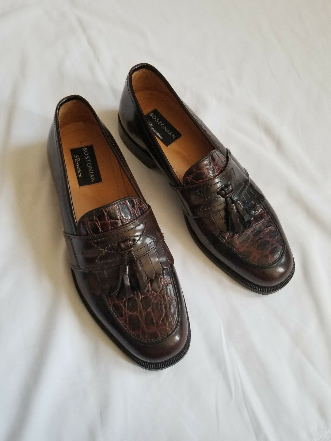 Bostonian florentine tasseled  slip on shoes made in  9M