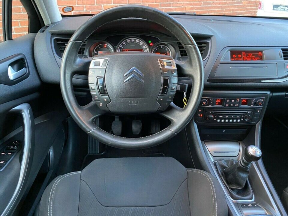 Citroën C5 2,0 HDi 140 Comfort Tourer Diesel modelår 2011 km