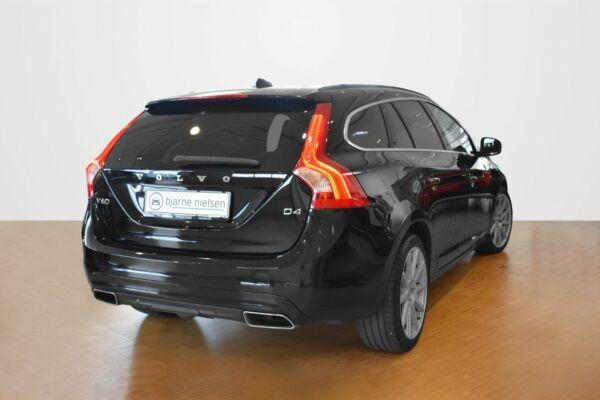 Volvo V60 2,0 D4 181 Momentum Drive-E Van - billede 2