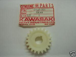 Kawasaki-500-H1-Ritzel-Gear-Distributor-NOS-21147-001
