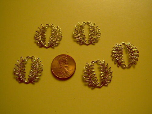 Vintage Gold Toned Circle Fern leaves set of 5