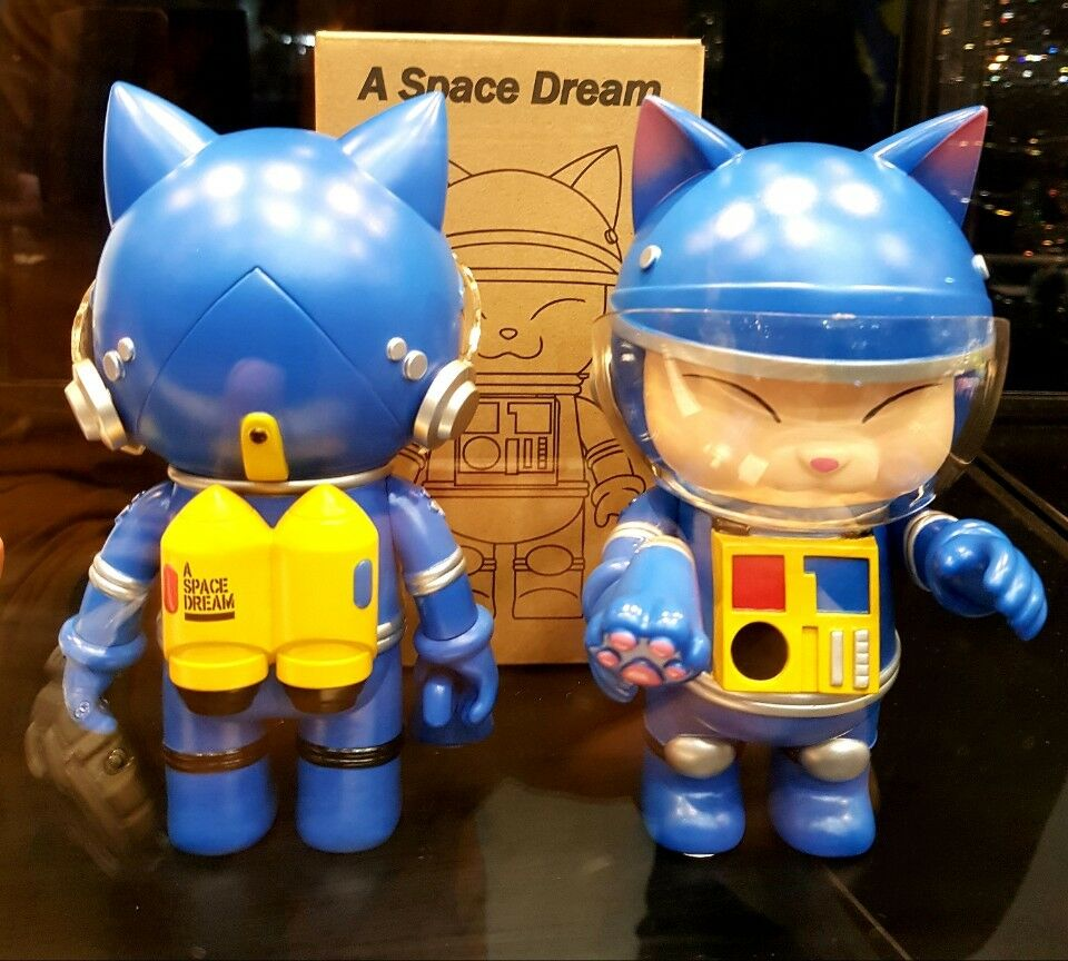 THE LITTLE HUT PRESENT A SPACE DREAM Blau SHON TF2018 SOFUBI ART TOY