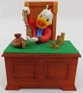 Hallmark-Disney-Christmas-Carol-Series-Scrooge-McDuck-Ebenezer-Ornament-2010