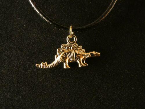 Stegosaurus Dinosaurier Anhänger mit Kette 24 Karat Vergoldet Charm Dino Gold