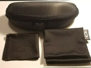 BRAND-NEW-OAKLEY-SUNGLASSES-CASE-with-DUST-BAG-and-cleaning-cloth