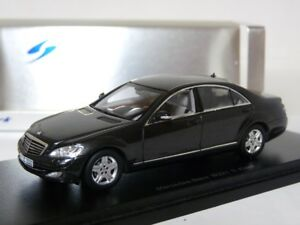 Spark-S1063-1-43-Mercedes-Benz-S500-W221-Resin-Model-Car