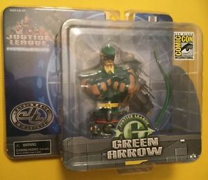 DC Comics Justice League  Green Arrrow Paperweight
