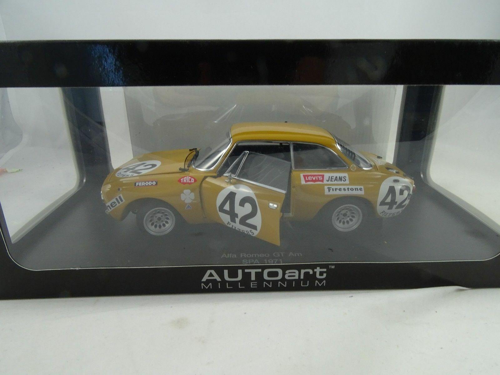 1    18 Otto 87103 Alpha Romeo Giulia GTAM Spa 1971 Heath Manuel 54e