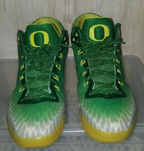 Nike Zoom Field General OREGON size 9.5 ( condition 9.5 out of 10 ) no Box