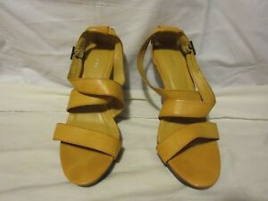 5ffb88859bf Ladies Old Navy Yellow Gold Leather Platform Wedge Sandals 8M Shoes ...
