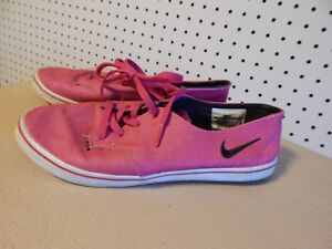 41b96767497d NIKE WOMENS BRAATA LITE SHOES SIZE 6.5 - fireberry black - 454292 ...