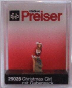 Preiser-29028-Christmas-Girl-With-Gifts-00-H0-Model-Railway-Figure