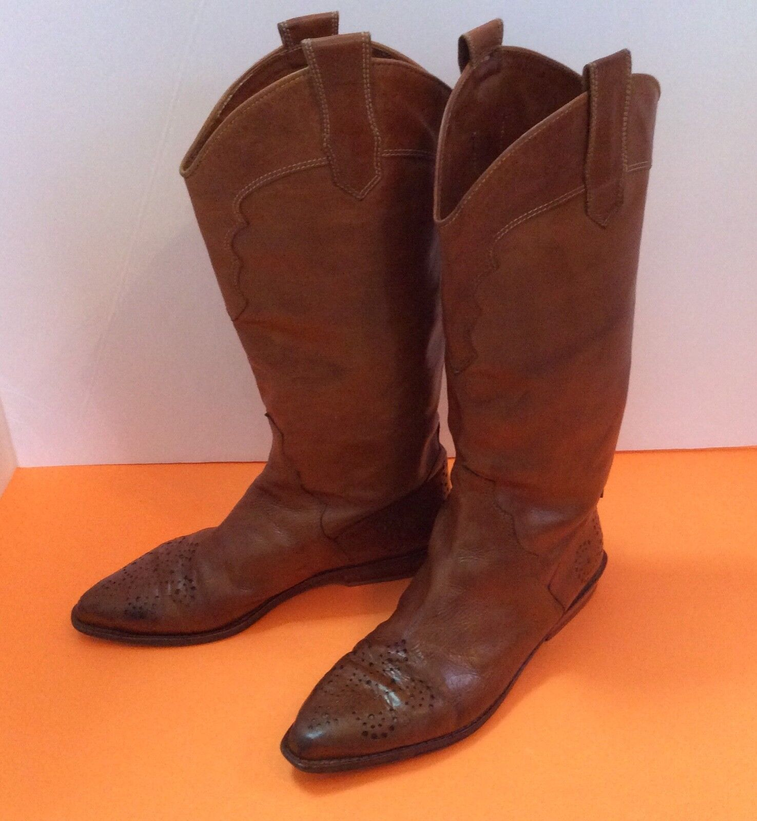 Joan & David Vtg 80's brn leather perforated detail pull-on boot sz 8m ladies