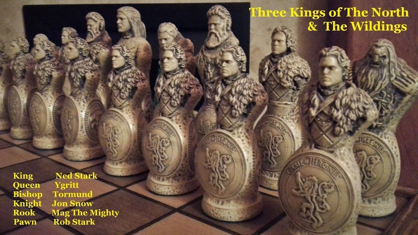 NEW    Ultimate Game Of Thrones EIGHT Sided Chess Set Collection & Chess Board