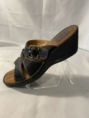 Clarks Artisan Womens 8.5M Blk Leath Buckle Strap