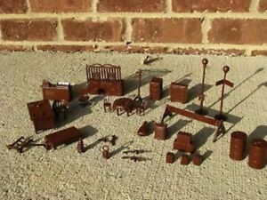 NEW-MARX-UNTOUCHABLES-ACCESSORIES-FURNITURE-BROWN-MOBSTERS-TOY-SOLDIERS-PLAYSET