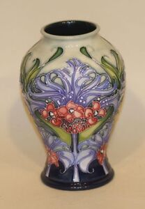 2005-Moorcroft-England-Art-Pottery-Emma-Bossons-6-Inch-Florian-Lilac-Vase-in-Box