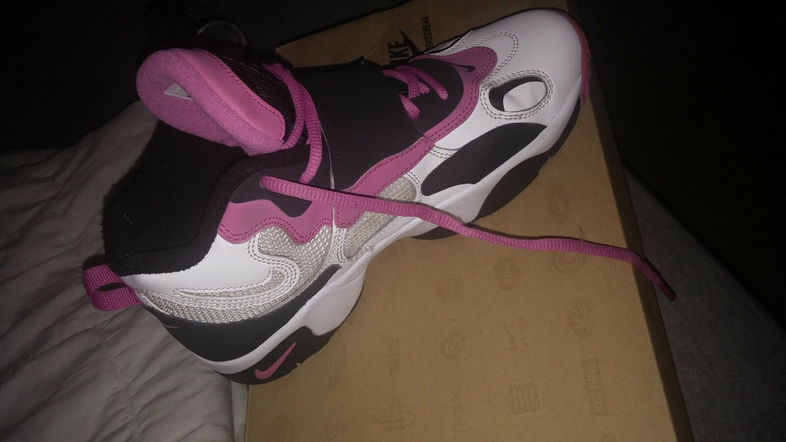 Womens nike air speed turf size 6.5 (gs)