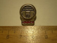 Pin Anstecknadel LKW Mercedes Benz ACTROS International Truck of the Year 2004