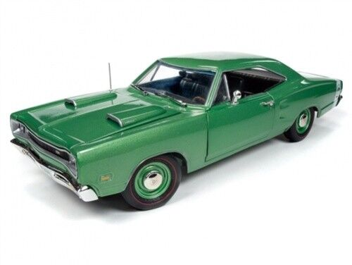 Dodge Superbee 1969 green AMM1136 1 18 Autoworld