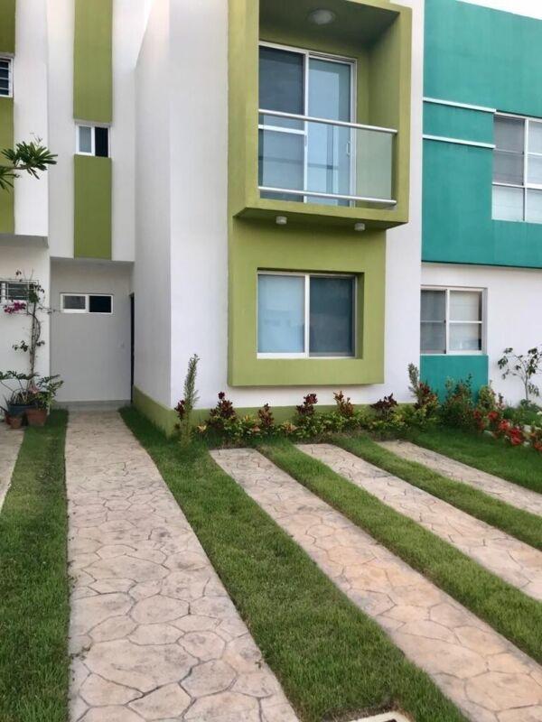 RENTA: Casa Amueblada en Puerto Morelos, Quintana Roo.