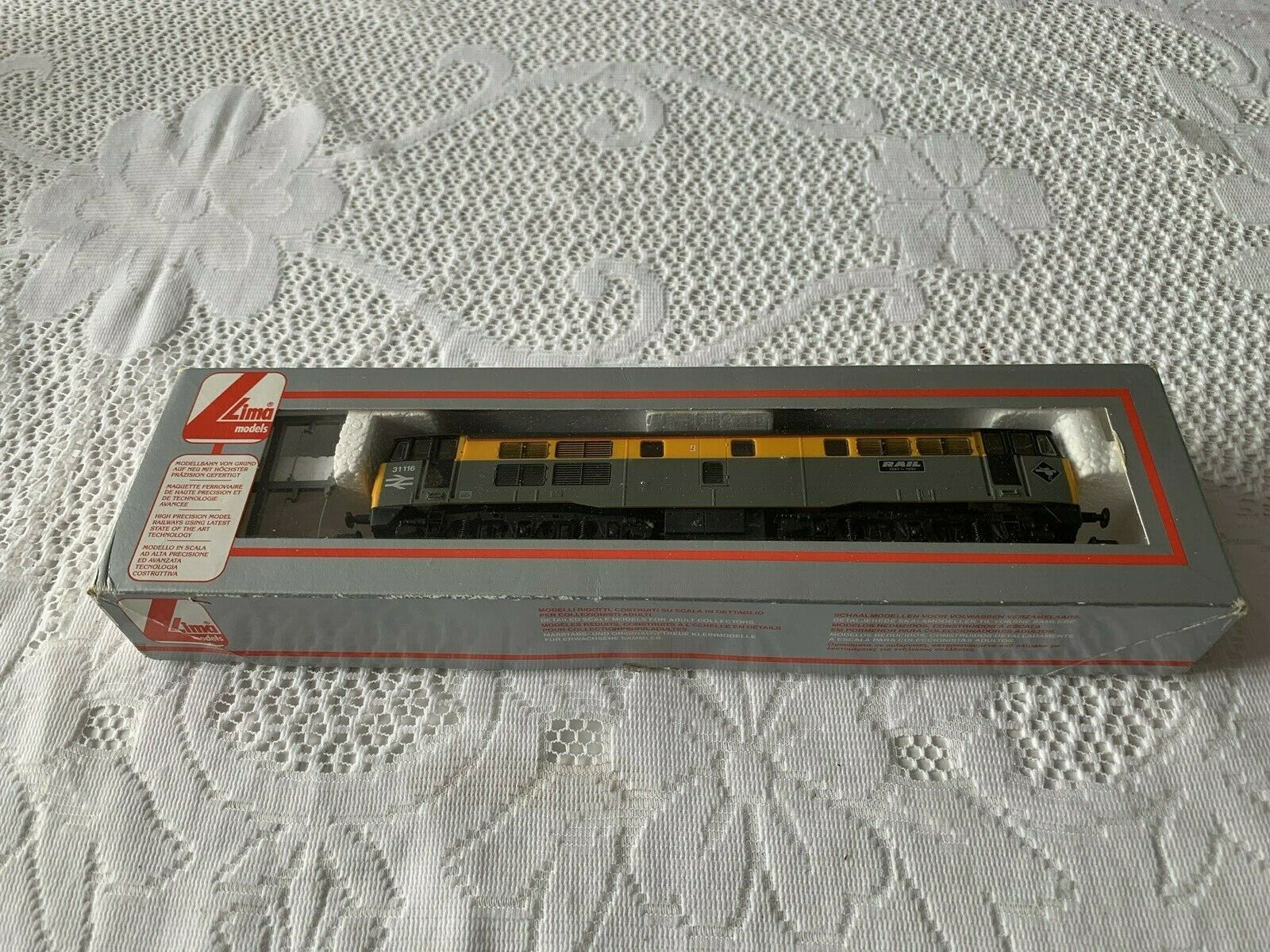 Lima L205072 Class 31 R N 31116 'Rail1981-1991 BRe Dutch grau+Gelb with headcs