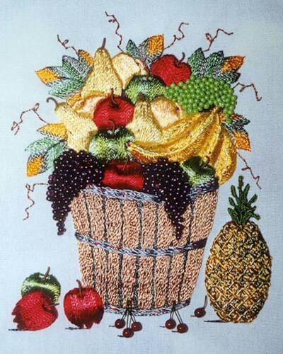 DK Designs A Debbie Kelley//pattern /& fabric//EdMar threads Bucket O/'Fruit