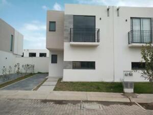 Casa en Renta en Villas del Campo