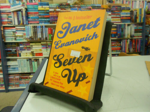 1 of 1 - Seven Up by Janet Evanovich (Paperback, 2002)