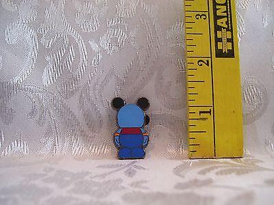 Walt Disney VINYLMATION JR GENIE TRADING Hat Lapel Pin Badge