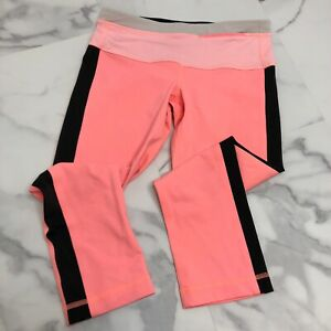 Lululemon-Size-4-Women-039-s-Pink-Black-Cropped-Leggings-USED-CONDITION