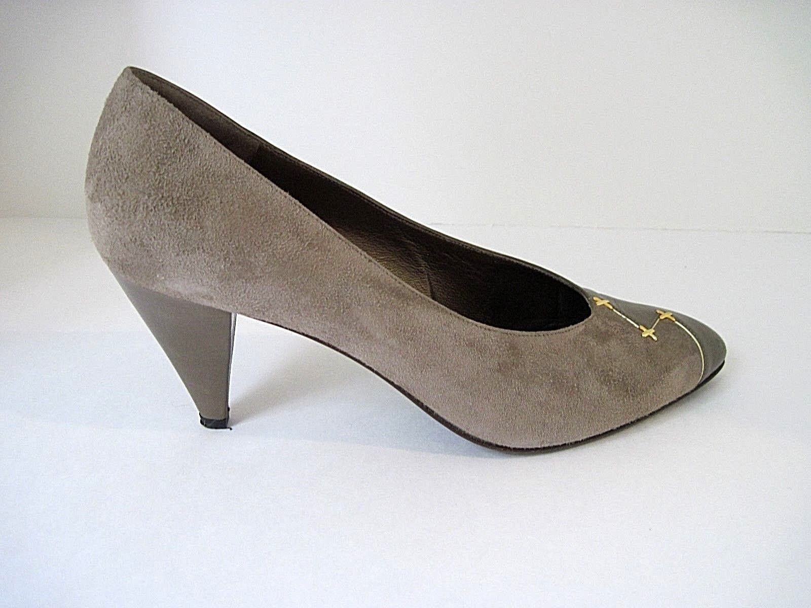 Bruno Magli Taupe Half Suede Half Pelle Gold Tone Front Details Size 9 1/2 AA