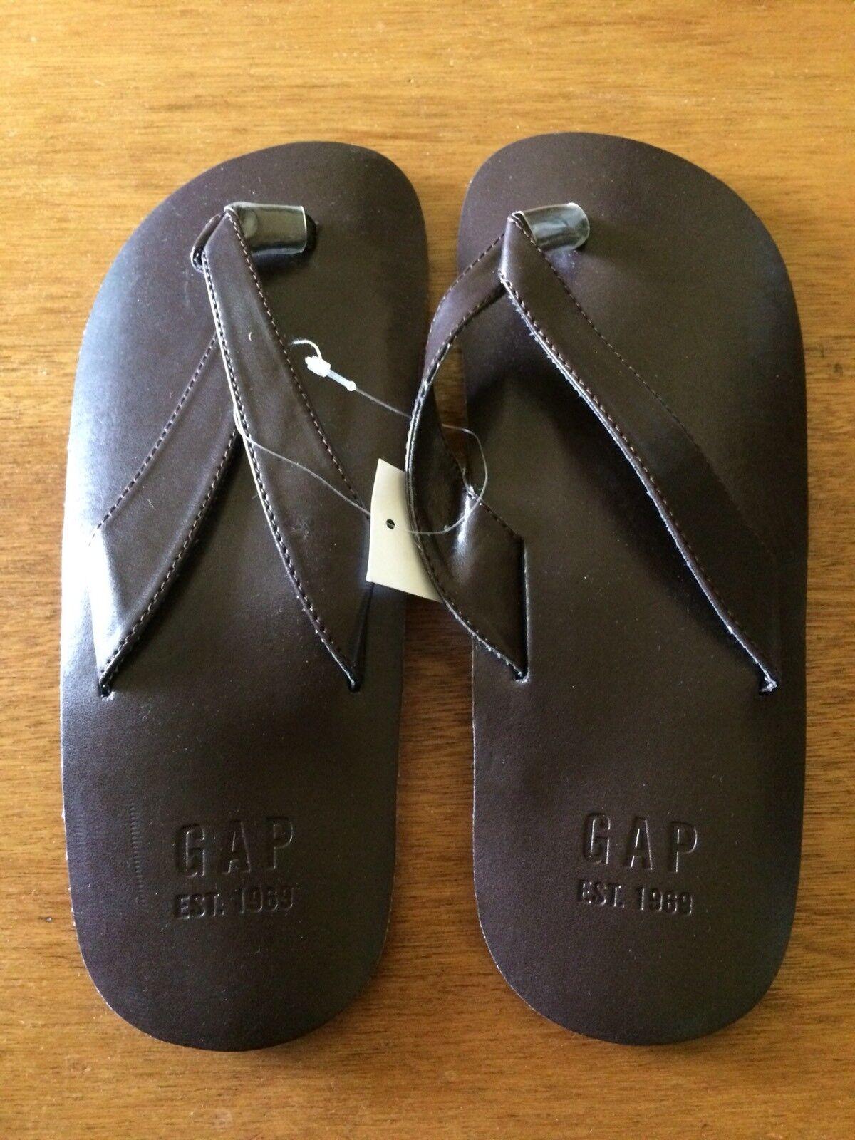 c1776fe6d9887 NWT Gap Gap Gap Mens Leather Like Sandals Flip flop Size 9 7edfb9 ...