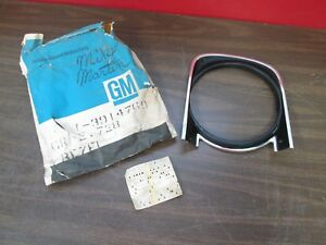 1968 CHEVY CAMARO LH HEADLIGHT LAMP BEZEL NOS GM 428