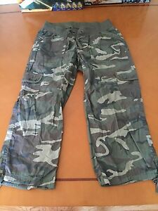 9d80b5fe680ff Women's Woman's Motherhood Maternity Army Capri Pants Size S Small ...