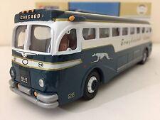 Corgi 98470 Yellow Coach 743 Bus - Silverside - Greyhound Lines 1:50 MIB