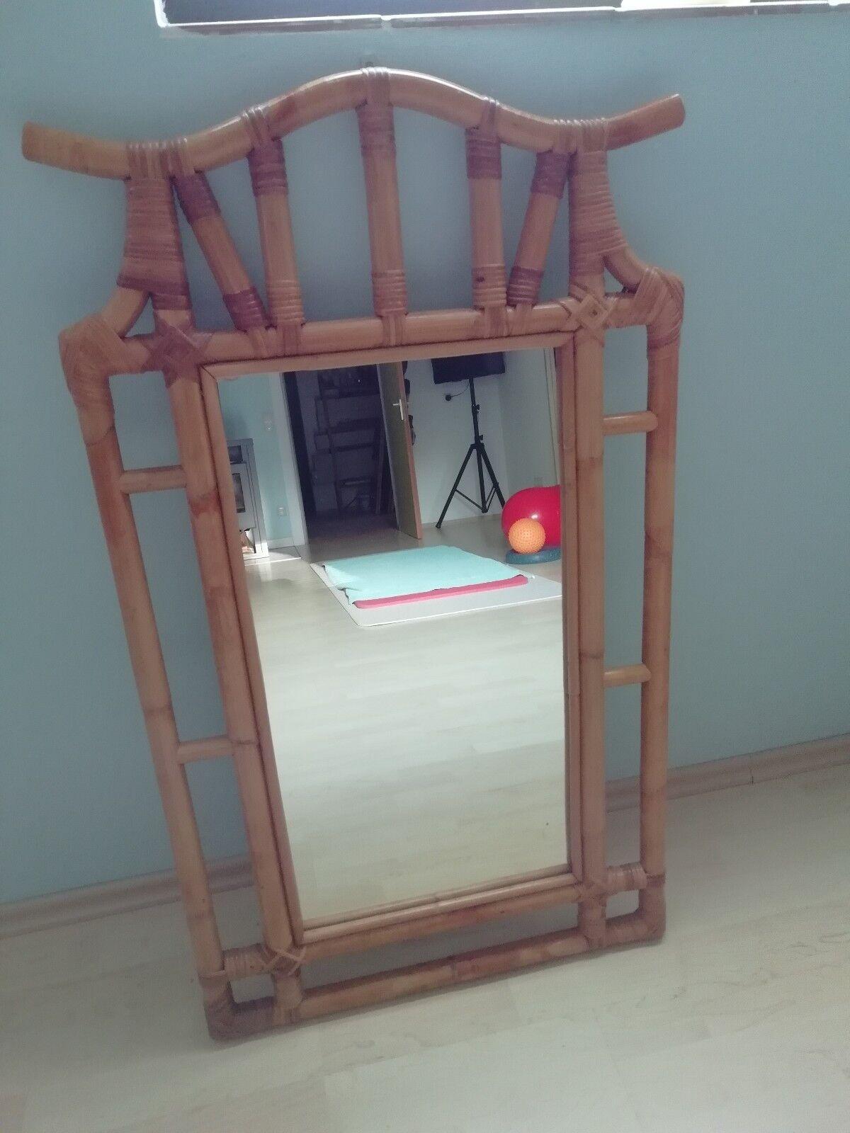Spiegel mit Rattan Rahmen - Einzelanfertigung