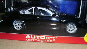 1-18-BMW-320i-WTCC-2005-plain-body-version-rare-NOS-E-46-racing-motorspor