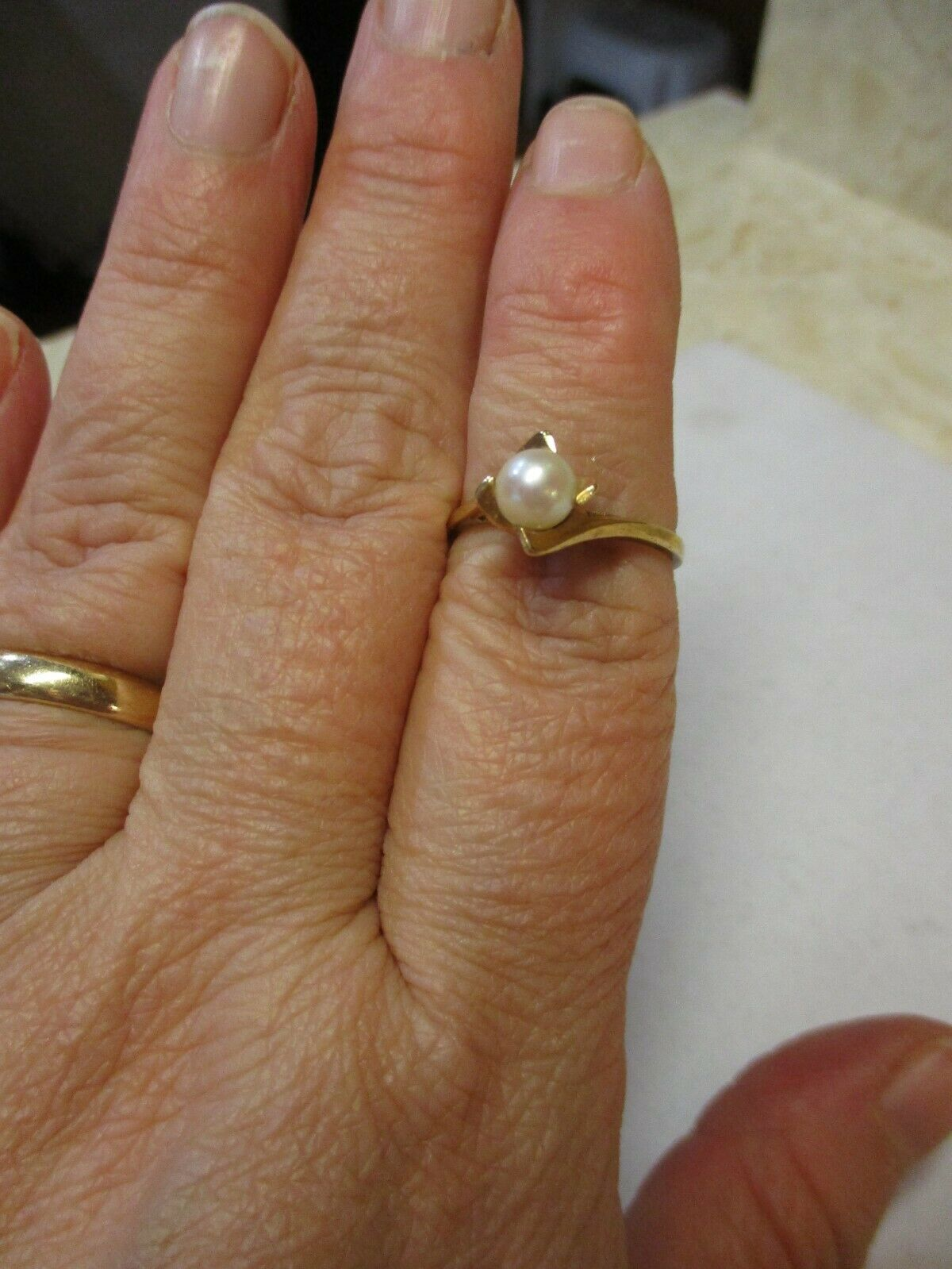 14K Yellow Gold Pearl Solitaire Ring Size 7.5 - image 8