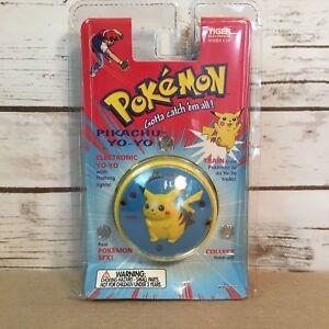 New Vintage Pokemon Pikachu Yo-Yo 1999 With Flashing Lights Tiger Electronics