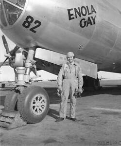 OLD-LARGE-PHOTO-WWII-USAF-B29-SUPER-FORTRESS-BOMBER-c1945-The-Enola-Gay-11