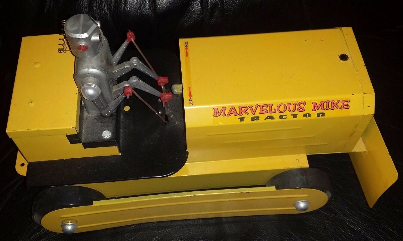 ROBOT DRIVING TRACTOR  MARVELOUS MIKE  1955 US METAL