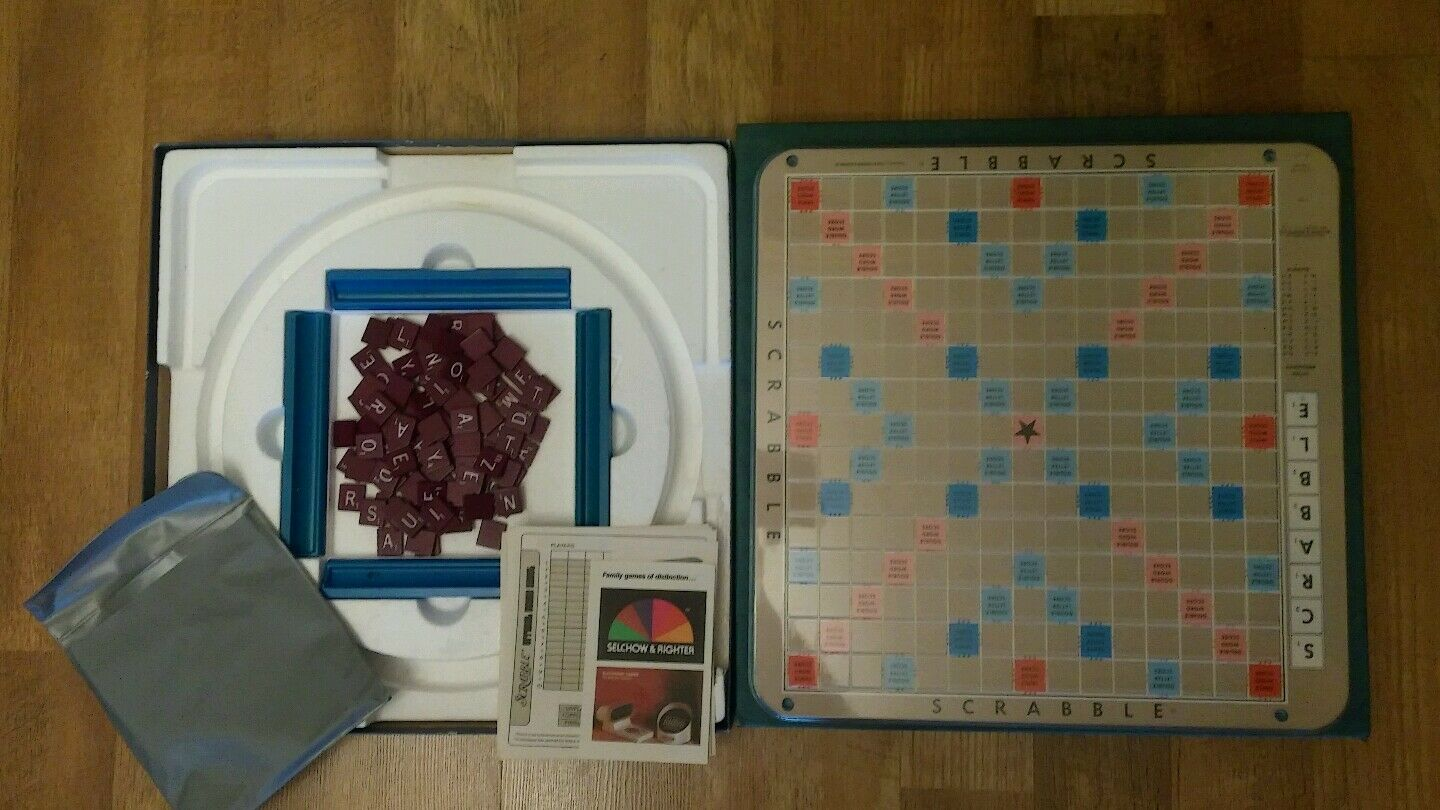 VINTAGE 1977 Scrabble Deluxe Edition Board Game Selchow & Righter Co. Complete