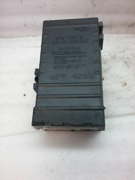 05144579ac 05144505ac 3 8l Engine Fuse Box 03 04 05