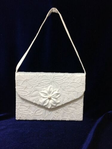 Beautiful Embroidered White Flowergirl// Bridesmaid Handbag